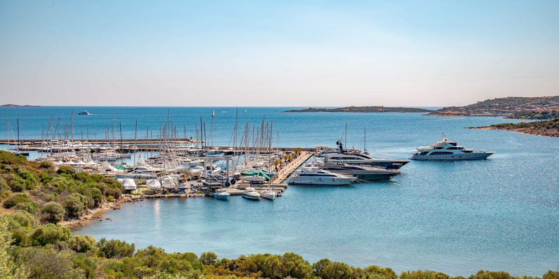 Medelhavet finns båtar att hyra